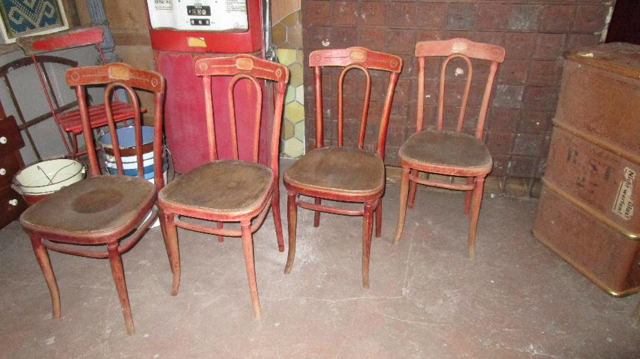 4 fr he thonet st hle zum restaurieren in luzern kaufen bei. Black Bedroom Furniture Sets. Home Design Ideas